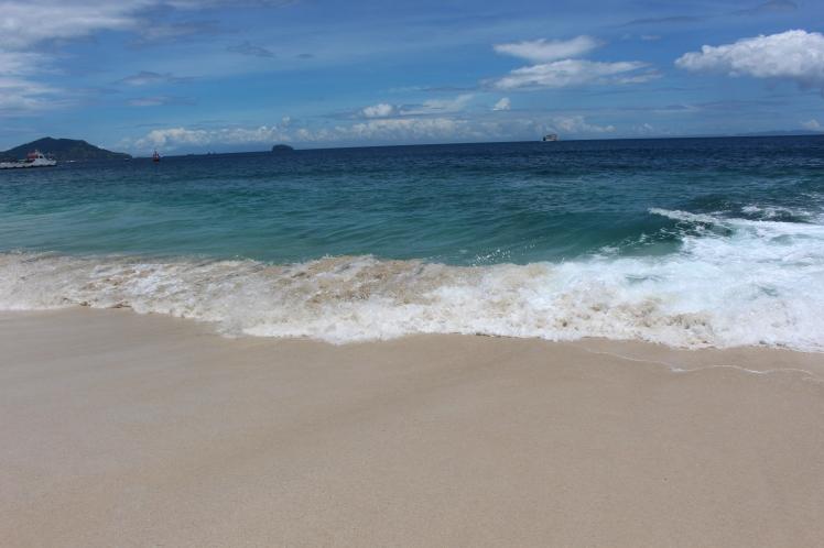 L'eau claire et limpide de la White Sand Beach
