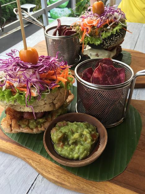 OM Burger, Uluwatu, Bali